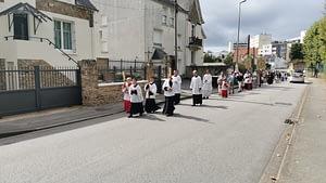 procession-assomption-fsspx-vannes