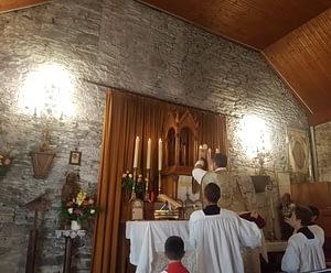 Consecration-Autel-Guer-fsspx