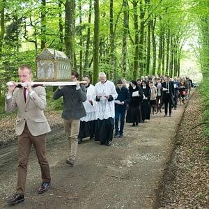 processions-reliques-fsspx-vannes